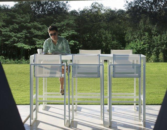 ALURA Barstühle mit TABOLA Bartisch in weiß