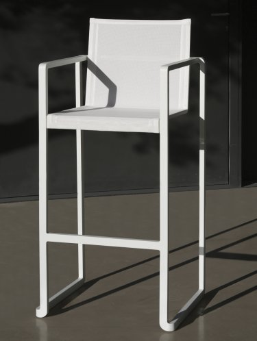 ALURA, ein wirklich innovativer stapelbarer Aluminium-Barstuhl