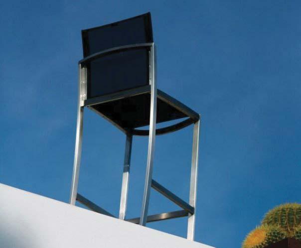 O-ZON Barstuhl aus Edelstahl mit schwarzer Bespannung