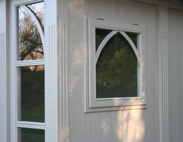 BOTHY Gartenhaus, Detailansicht mit seitlicher Fensterluke