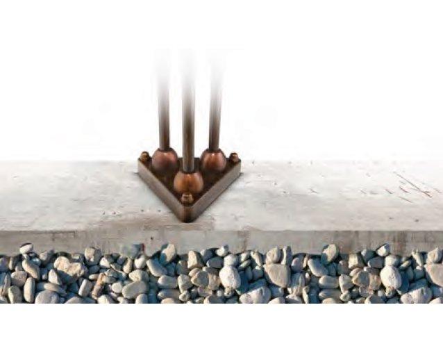 Sockel zur Verankerung der CORBEZZOLO Leuchte auf festem Untergrund