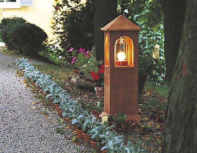 DENK Lichthaus Wegeleuchte aus CeraNatur®-Keramik in cottorot