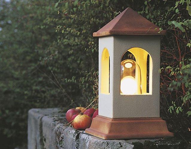 DENK Lichthaus Sockelleuchte aus CeraNatur®-Keramik in hellbeige
