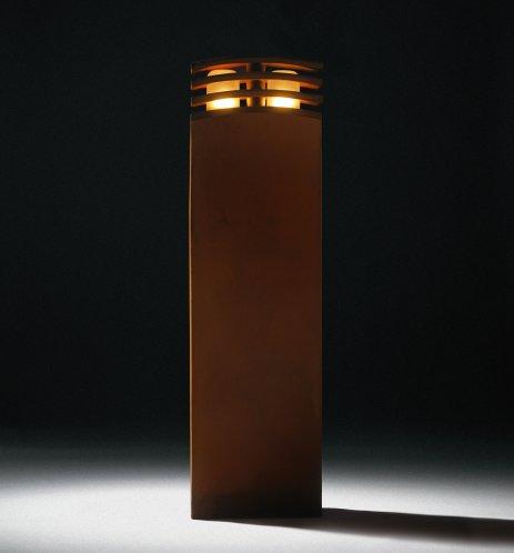 IRONY Pollerleuchte bei Nacht, 70cm hoch