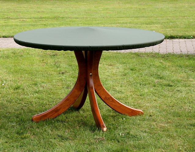 Wood-Cover Tischplatten-Schutzhülle mit Gummizug, ein Tennisball sorgt für Abstand zur Tischplatte