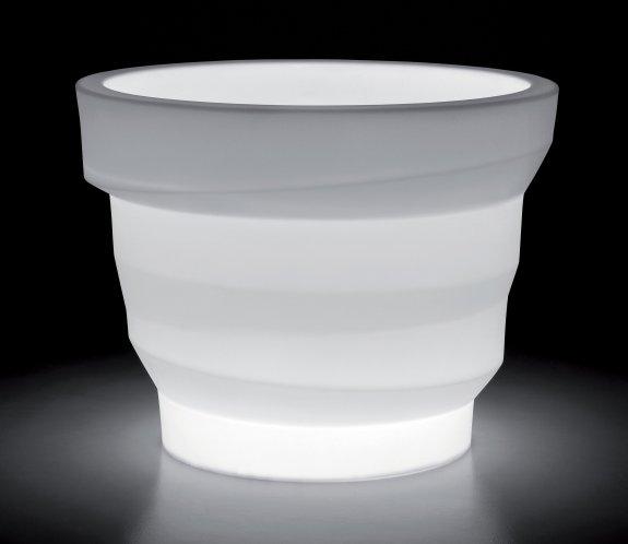 REBELOT Leuchte als Eiswürfelbehälter für romatische Atmosphäre im Lokal