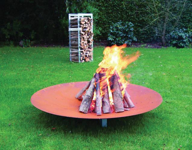 QRATER Feuerschale mit WoodStock Holzlager outdoor