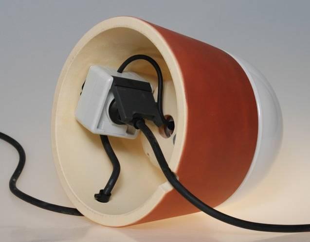 mobile Leuchte LUXOR aus CeraNatur®-Keramik mit eingebauter Steckdose, schutzisoliert IP 43