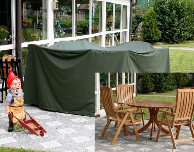 Wood-Cover Schutzhülle über Tisch und Stühlent