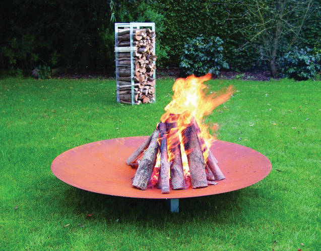 QRATER Feuerschale mit WoodStock Holzlager